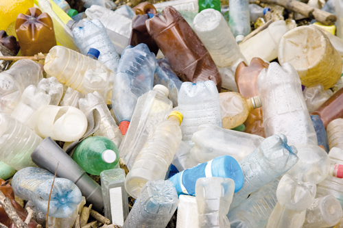 Identification of plastics from household waste in recycling